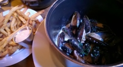 Brouwer's Cafe-Fremont_Mussels and Frites (2)